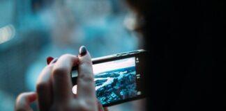 telefon ciągle się zawiesza? Może to być frustrujące, zwłąszcza jeśli chcemy zrobisz szybko zdjęcie.